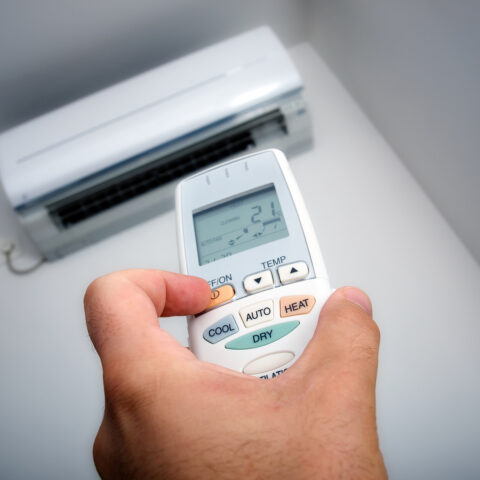 air conditioning unit servicing in Lara.